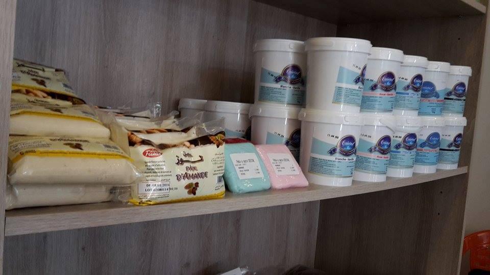 la pte damande 5 dt les 500g 5dt et 8 dinars le 1kg la pte sucre 1kg blanche 9dt et colore 10dt - Pate D Amande Colore