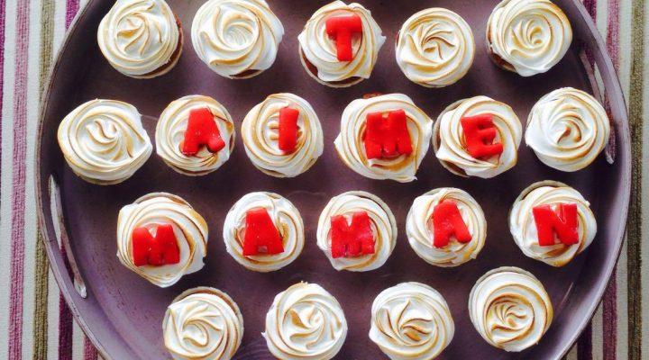 Cupcakes meringués, cœur au citron