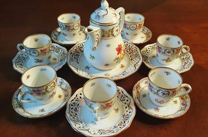 Réparer la porcelaine avec…du lait!