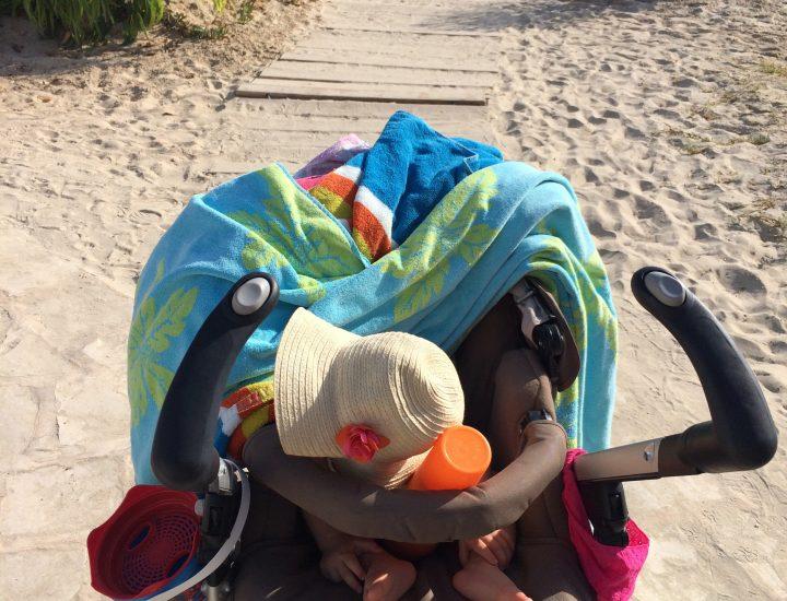 Sortie plage ou weekend avec bébé, le «nécessaire»