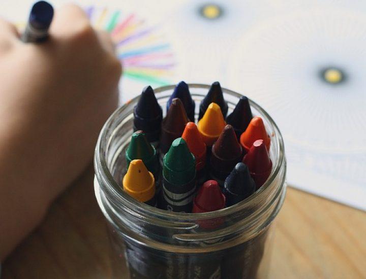 Occuper les enfants pendant les vacances même sans gros moyens