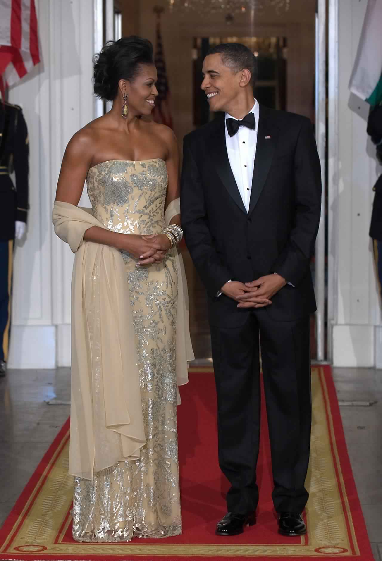 bf1d293b223 Les plus belles robes de Michelle Obama