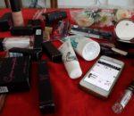 On a acheté plein de make-up sur AKA
