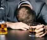 Quand il boit, il devient insupportable!