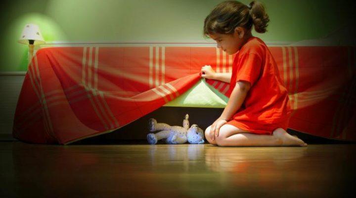 Le monstre qui se cache sous le lit